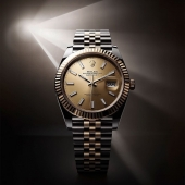 The iconic Datejust 41 taking centre stage. #Rolex #Datejust #Oscars #Perpetual  #CTPundole #CTPundoleHouseOfLuxury #OfficialRolexRetailer